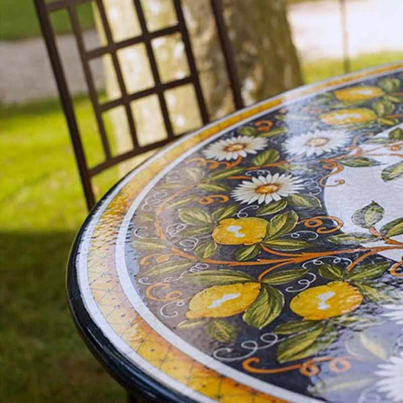 Close up of table top Giardino in garden