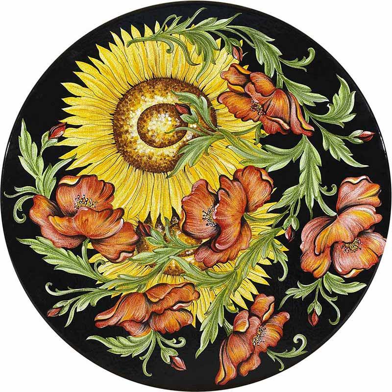 Runde Tischplatte handbemalt mit Sonnenblumen und Rosen auf schwarzem Grund